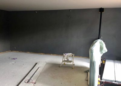 Mur et plafond terminés à l'étage, on commence à bien se rendre compte ... 😊
